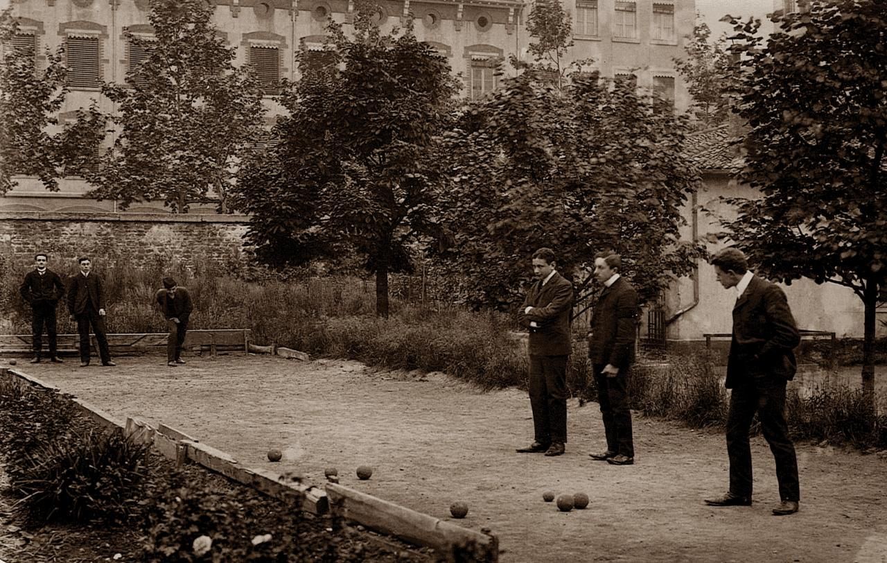 1902 - boule lyonnaise ou pétanque