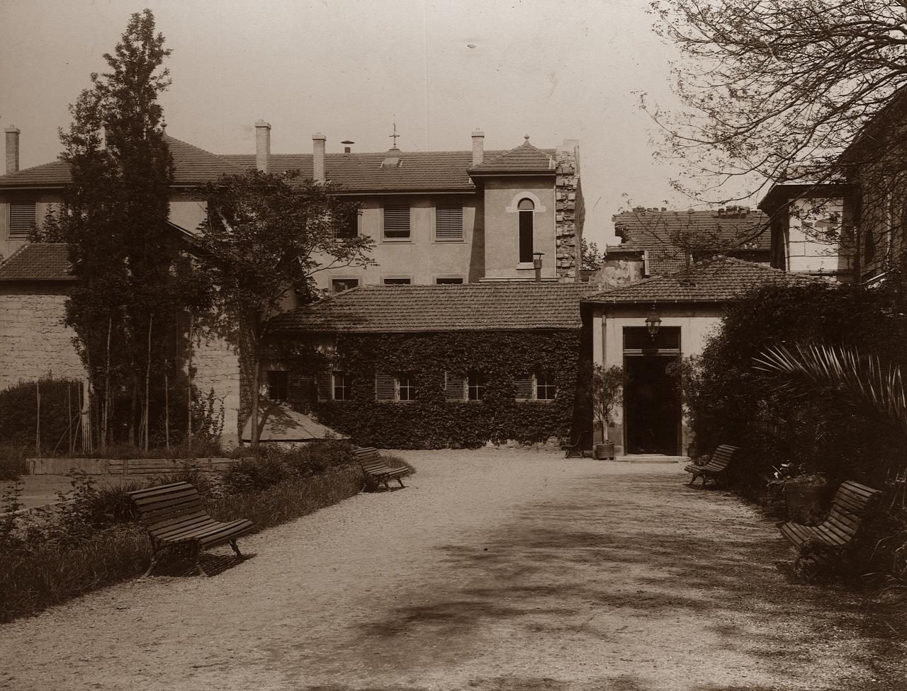 En 1906