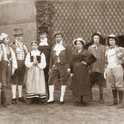 Une pièce de théâtre en 1910