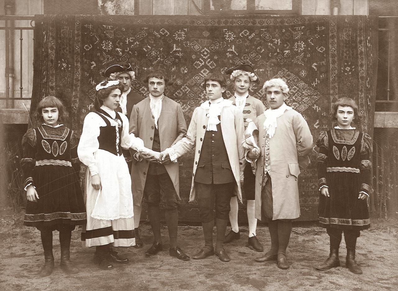 Une pièce de théatre en 1910 (suite)